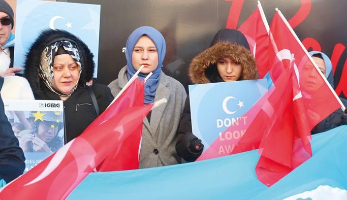 'Türkistan halkı yalnız değil'