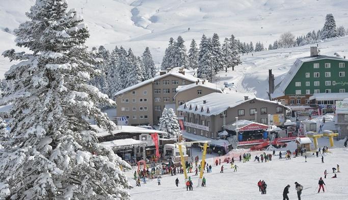 Uludağ'da çok sayıda kişi karların altında kaldı