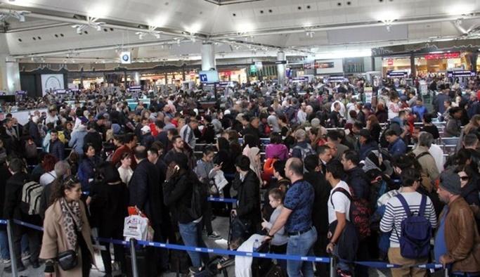 Atatürk Havalimanı'nda 31 Mart yoğunluğu