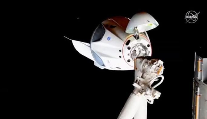 Crew Dragon uzay aracı dünyaya geri döndü