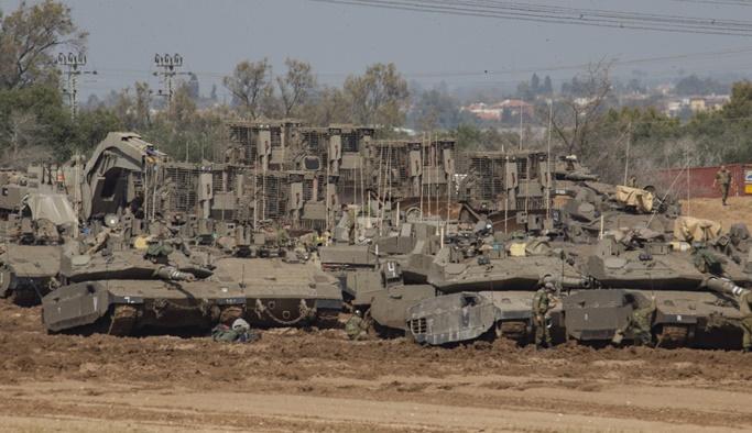 İsrail Gazze sınırına askeri yığınak yapıyor