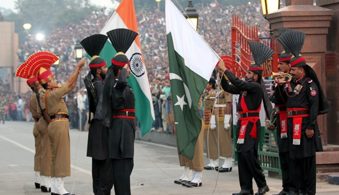 Pakistan-Hindistan sınırında çatışma çıktı