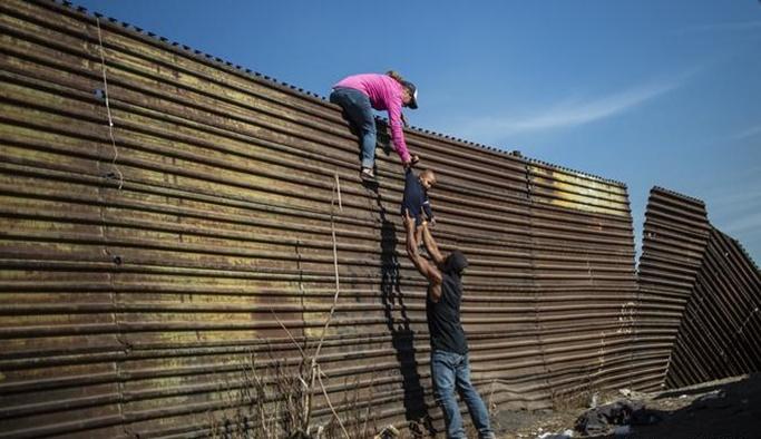 Pentagon'dan Meksika duvarına 1 milyar dolar
