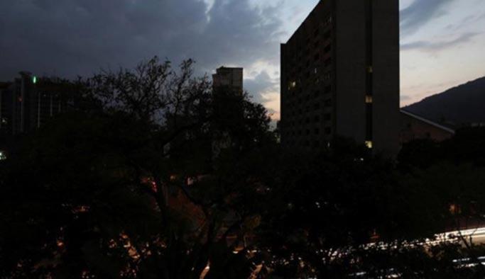 Venezuela'ya bir saldırı daha, elektrikler yine kesildi
