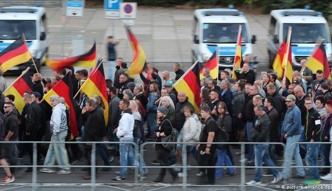Almanya'da büyük tehlike, birleştiler