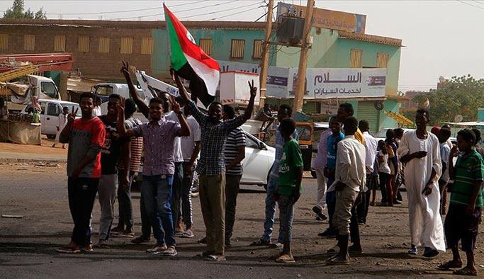 Avrupa Birliği'nden Sudan'daki darbeyi yeterli görmedi