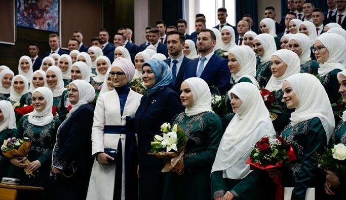 Bosna Gazi Hüsrev Medresesi 469'uncu mezunlarını verdi