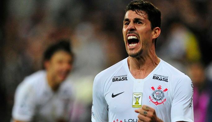 Danilo Avelar Fenerbahçe'nin radarına takıldı