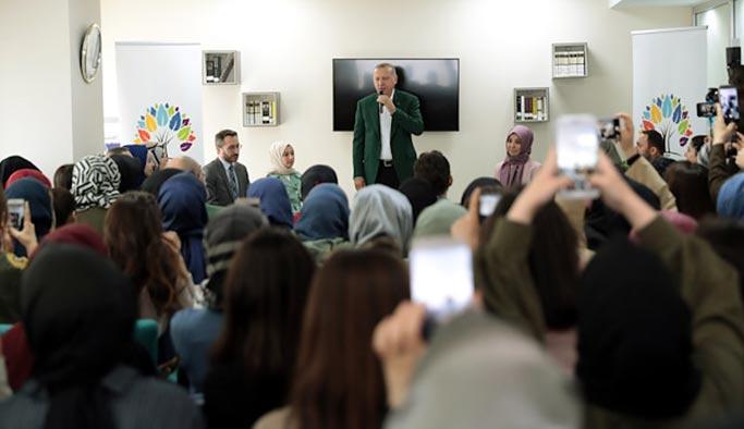 Erdoğan, CHP'lilerin saldırdığı öğrenci yurdunu ziyaret etti