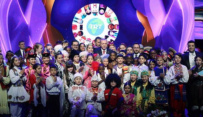 Erdoğan: Dünyayı güzelleştiren çocukların tebessümüdür