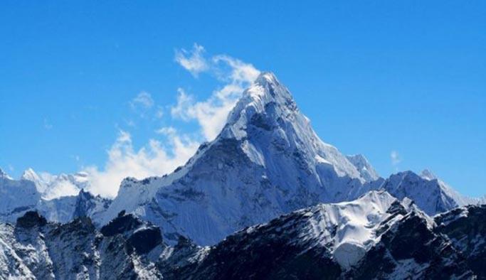 Everest Dağı'nın yükseliği yeniden ölçülecek