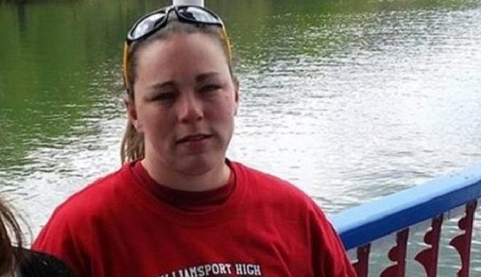 Genç kadın dev kıyma makinesinin içine düştü