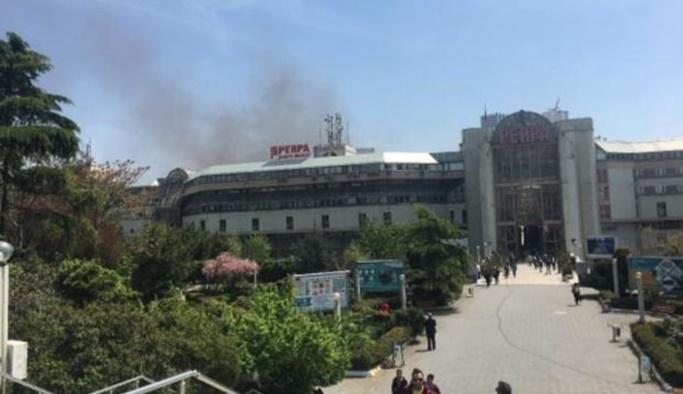 İstanbul Perpa'da yangın çıktı