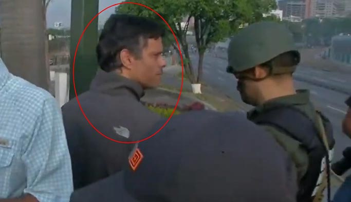 Venezuela'da darbe girişimi, asker sokağa indi
