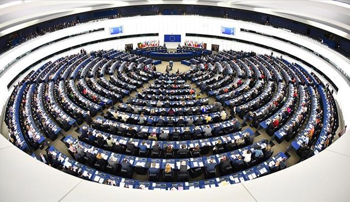 """Avrupa'daki """"aşırı sağ"""" tehlikesi AP seçimlerinde netleşti"""
