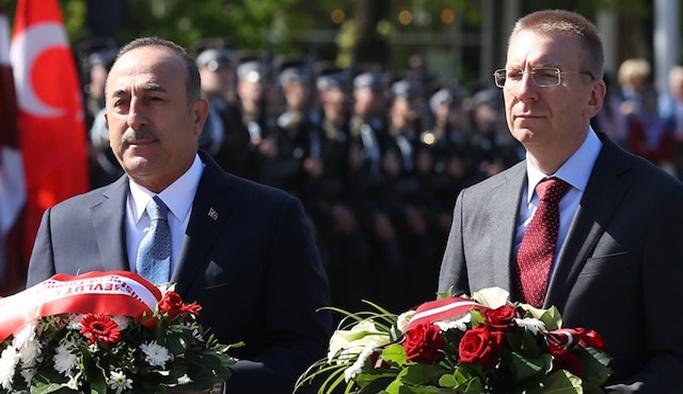 Çavuşoğlu açıkladı: ABD ve NATO'ya S-400 teklifi