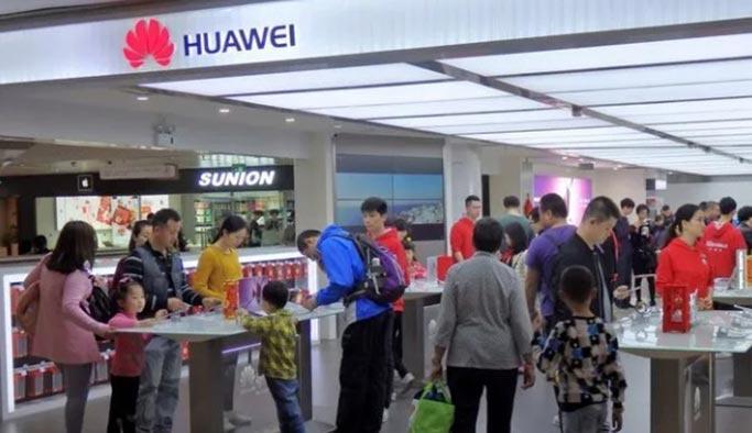 """Çinliler """"gurur meselesi"""" yaptı, herkes Huawei alıyor"""