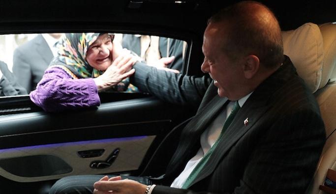 Erdoğan aracını durdurup vatandaşlarla sohbet etti