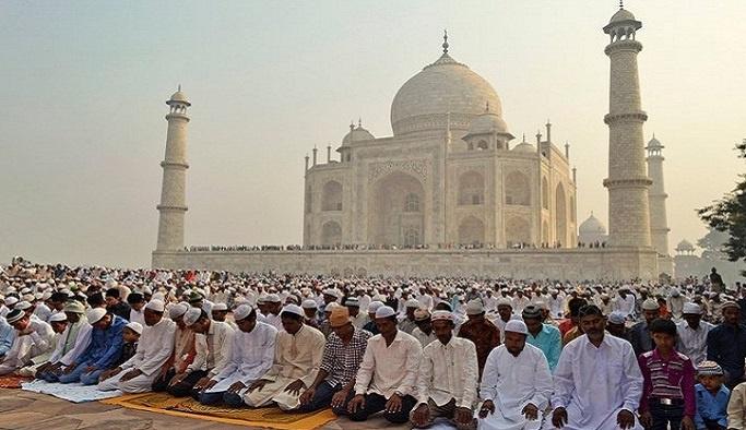 Hindistan'da 4 milyon Müslüman kimliğini kaybedebilir