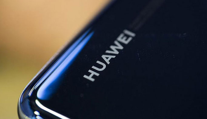 Huawei'ye bir darbe Google'dan geldi