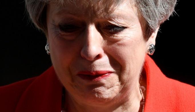 İngiltere Başbakanı May istifa etti