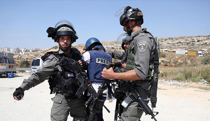 İsrail AA kameramanı dahil 7 gazeteciyi alıkoydu