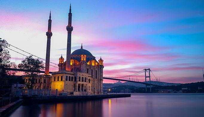 İstanbul'da muhteşem gün doğumu manzarası