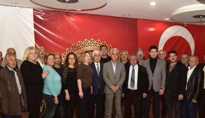İyi Parti'de toplu istifa, hepsi AK Parti'ye geçti
