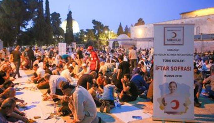 Kızılay'dan Mescid-i Aksa'da iftar