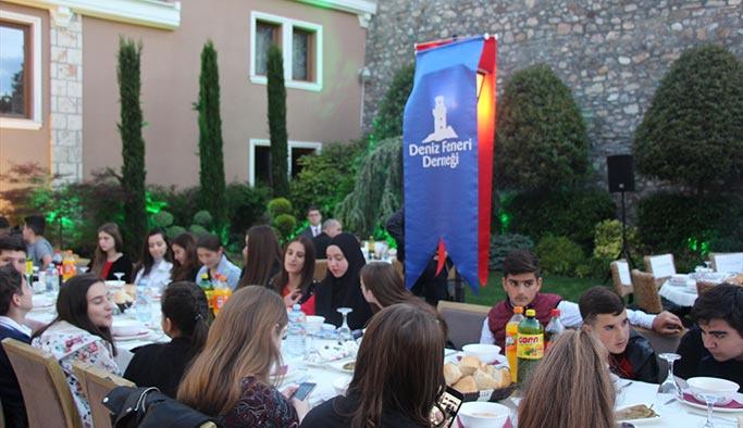 Makedonya'da yetim çocuklara iftar