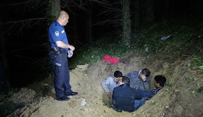 Polis görünce ölü taklidi yaptılar