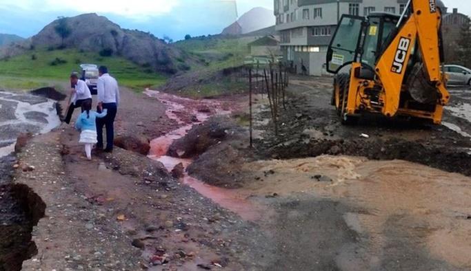 Sağanak ve sel Erzurum, Erzincan ve Bingöl'ü vurdu