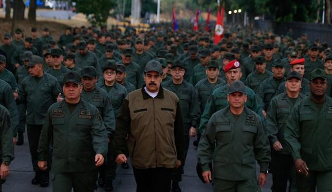 Venezuela'da darbe girişiminin ardından gövde gösterisi