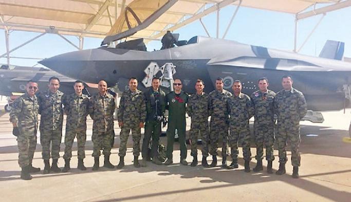 ABD'deki Türk pilotların F-35 eğitimi durduruldu
