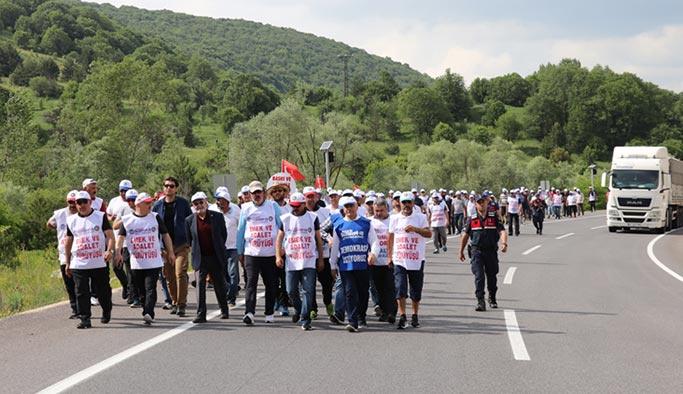 CHP'li belediyenin işten çıkardığı işçilerin Ankara'ya yürüyüşü 4. Gününde