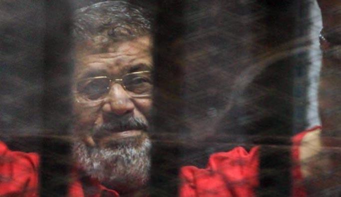 Darbeciler hastalığına rağmen Mursi'ye ameliyat izni vermemiş