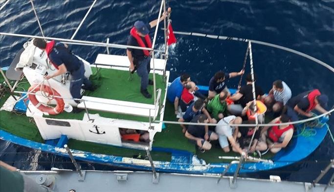 FETÖ'ye denizde operasyon, hepsi yakalandı