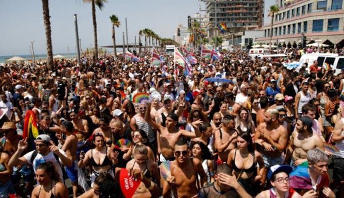 İsrail'de LGBT yürüyüşüne 250 bin kişi katıldı