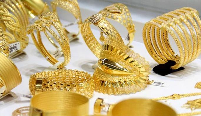 Polis baskın yaptı, kuyumcudaki tüm altınlar sahte çıktı