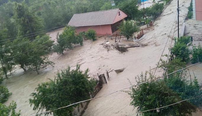 Sel Trabzon'dan sonra Bartın'ı vurdu, kayıplar var