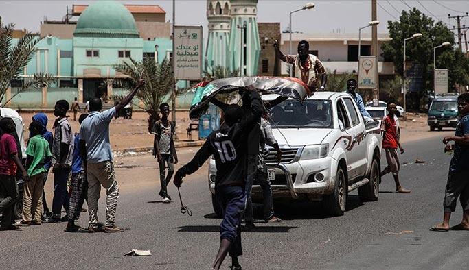 Sudan'da ordunun göstericilere müdahalesinde ölü sayısı artıyor