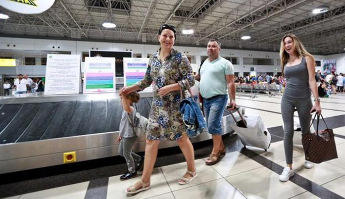 Türkiye'deki Rus tatilci sayısı 7 milyonu aşacak