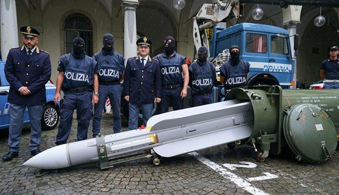 Avrupa şokta: Irkçı örgütten füze çıktı