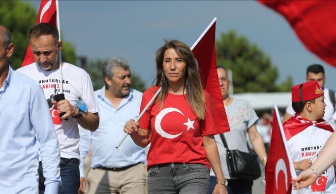 Halk akın akın Atatürk Havalimanı'na geliyor