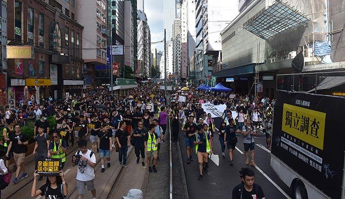 Hong Kong'daki gösterilere müdahale
