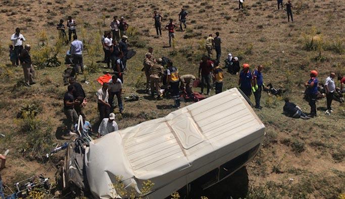 Katliam gibi kaza, 15 kaçak göçmen hayatını kaybetti