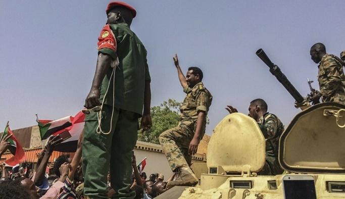 Sudan'da askeri geçiş konseyine karşı darbe girişimi