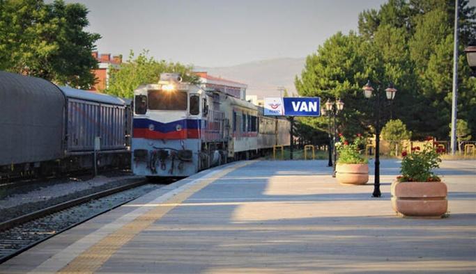 Tahran-Ankara tren seferleri yeniden başladı