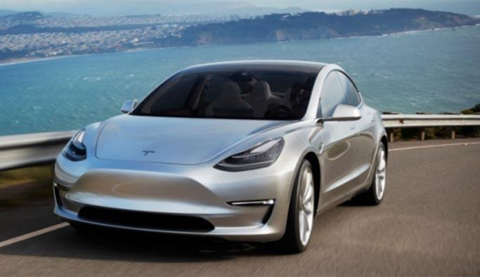 Tesla model 3 fiyatını düşürdü, diğerlerine zam yaptı