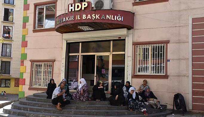 'Diyarbakırlı anneleri' tehdit eden HDP'lilere soruşturma